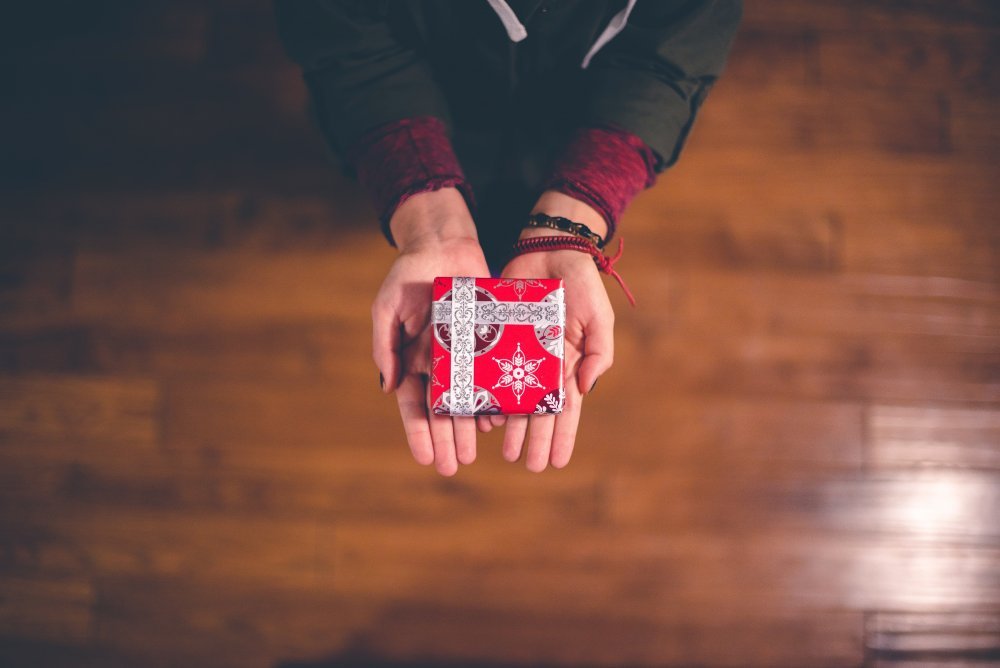 Build a connection - Christmas marketing